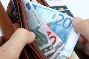 Wie teuer ist eine Geschwindigkeitsüberschreitung in Italien? Das Bußgeld kann sich auf mehrere hundert Euro belaufen.