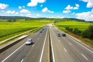 Die Höchstgeschwindigkeit in Italien auf der Autobahn beträgt für Pkw 130 km/h.