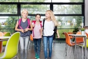 Die Eltern müssen in Erfahrung bringen, weshalb die Kinder die Schule schwänzen.