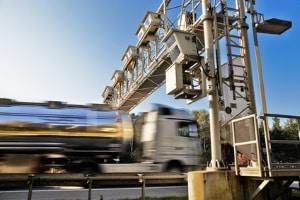 Die LKW-Maut wird in Deutschland über Toll Collect eingenommen.