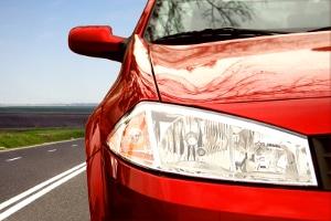 Die Scheinwerfer am Fahrzeug mit Xenon-Lampen nachrüsten: Droht eine Strafe?