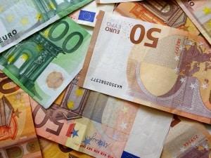 Ausländischer Führerschein: Ein Umschreiben ist mit Ausgaben verbunden.