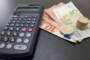 Es kommt beispielsweise dann zu einer Freiheitsstrafe, wenn die Geldstrafe nicht bezahlt wird.