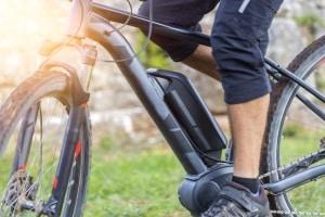 Was ist ein Pedelec? Ein Fahrrad, bei dem die Pedalen durch einen Elektromotor unterstützt werden.