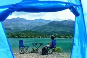 Ohne Zelt am Strand zu schlafen, kann erlaubt sein. Hier gibt es regionale Unterschiede.