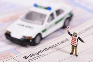Das Auskunftsverweigerungsrecht gemäß StPO kann auch bei polizeilichen Befragungen greifen.