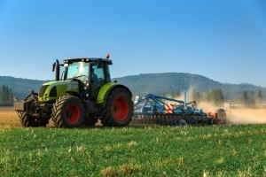 Für bestimmte Fahrzeugarten können Ausnahmen vom Fahrverbot gemacht werden. Z. B. Kfz der Landwirtschaft.
