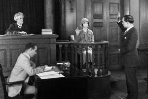 Fachanwalt für Verkehrsstrafrecht: Der Anwalt begleitet Sie durch das Strafverfahren.