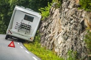 Wohnmobil: Die Regeln zum Verhalten im Verkehr sind für Verkehrsteilnehmer gleichermaßen gültig.