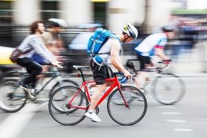Seit 2017 ist das Fernlicht auch am Fahrrad zugelassen.