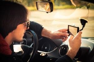 Freisprecheinrichtung per App: Für bestimmte Headsets ist eine Installation auf dem Handy nötig.