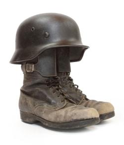 StVO: Auf dem Motorrad ist ein  geeigneter Helm zu tragen. Braincaps gehören nicht dazu.