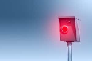 Wenn Fahranfänger mit 33 oder 38 km/h zu schnell auf der Autobahn geblitzt werden, zieht das auch Probezeitmaßnahmen nach sich.