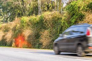 Verkehrsverstoß mit dem Auto: Das Punktesystem hält die entsprechende Sanktion bereit.