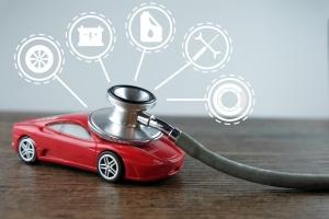 Bei einem Autokauf ohne Scheckheft sollten Sie das Fahrzeug ausgiebig untersuchen.