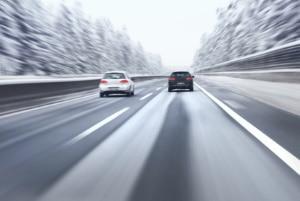Im Sommer: Für bestimmte Winterreifen herrscht ein Fahrverbot in Italien.