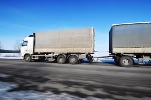 LKW-Fahrverbot: In Polen müssen die Fahrzeuge zu bestimmten Zeiten stehen bleiben.