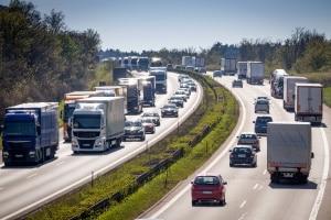 Verkehrsrecht: Das StVG legt die wesentlichen Regeln für den Straßenverkehr fest.