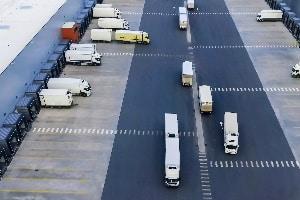 Vom LKW-Fahrverbot in der Schweiz ist der Samstag nicht betroffen.