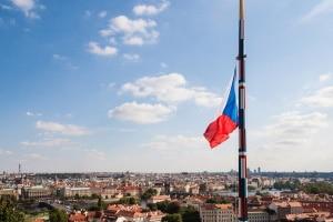 Ein LKW-Fahrverbot ist in Tschechien u. a. auf Autobahnen zu beachten.