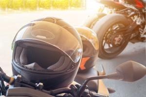 Mit dem Führerschein der Klasse 1b dürfen Sie Motorrad fahren – allerdings nur bis zu 125 ccm Hubraum und 11 kW Leistung.