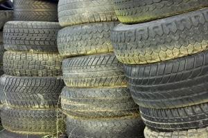 Sind die Reifen außen oder innen abgefahren, kann eine Strafe drohen.