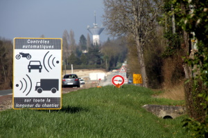 Welche Geschwindigkeitsbeschränkung in Frankreich gilt, hängt vom Fahrzeug und der Straße ab.