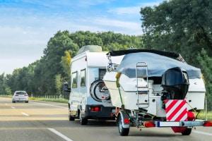 Beim WoMo hängt die Geschwindigkeit vom Gewicht des Fahrzeugs ab.