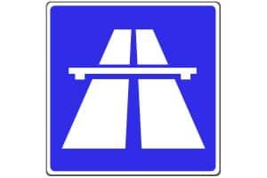Das Parken auf Autobahn und Seitenstreifen ist gemäß StVO nicht gestattet.