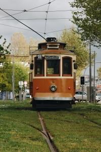 Überschreiten Sie in Portugal das Tempolimit, sind Bußgelder in Deutschland vollstreckbar.
