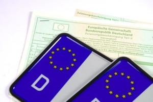 Codes im Fahrzeugbrief: Eine Erklärung zu Nummern, Buchstaben und Kürzeln liefert dieser Ratgeber.
