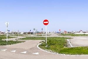 Auto fahren: Das Üben auf einem Parkplatz ist in der Regel nicht erlaubt.