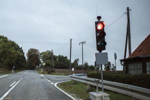 Baustellenampel übersehen: Liegt ein einfacher oder ein qualifizierter Rotlichtverstoß vor?