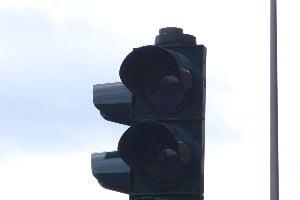 2-Phasen-Ampel: Leuchten weder Rot noch Gelb, dürfen Sie in der Regel fahren.