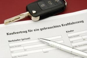 Meldet der Käufer das Fahrzeug nicht um, können Verkäufer die Zwangsstilllegung beantragen.