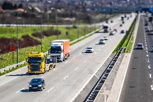 Lassen Sie die Führerscheinklasse 3 von alt nach neu umschreiben, gelten bestimmte Einschränkungen für LKW.