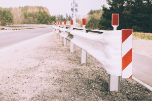 Wann kommen Fahrzeugrückhaltesysteme zum Einsatz?